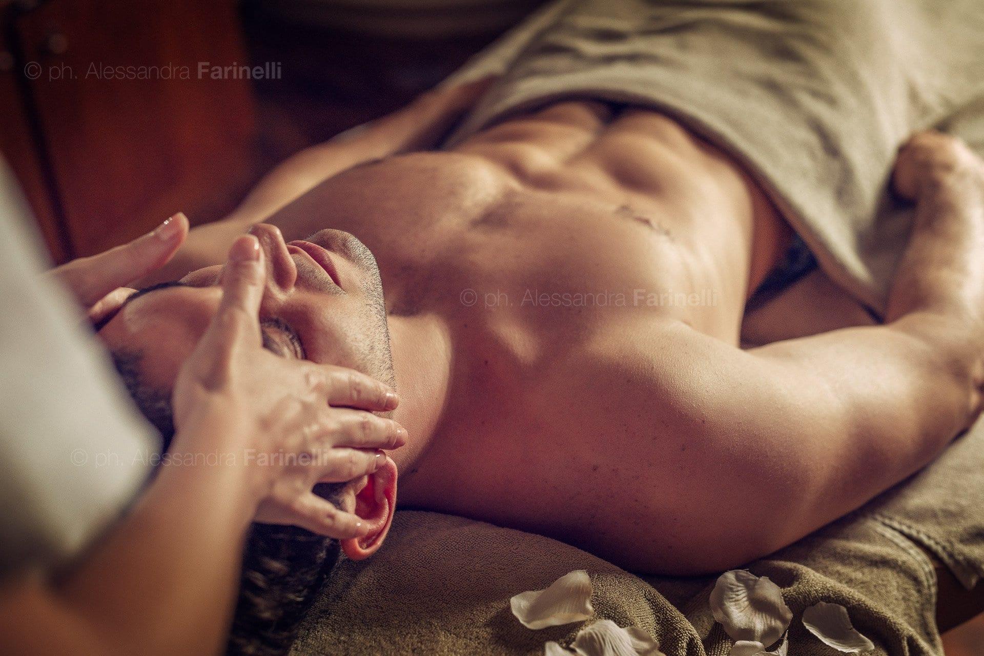 massaggio uomo fotografie