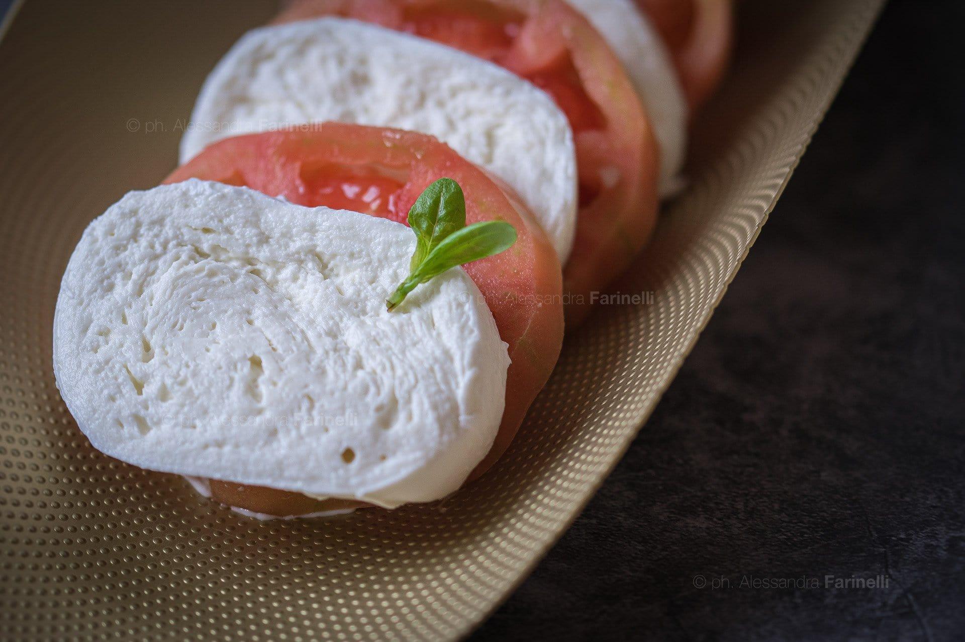 Mozzarella di Bufala Campana foto